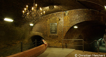 Kronleuchtersaal ~ Von der cloaca maxima zum kronleuchtersaal stadtführungen